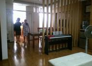 Bán 170 Đê La Thành, diện tích 142m2, nhà sửa đẹp, giá 35 triệu/m2.